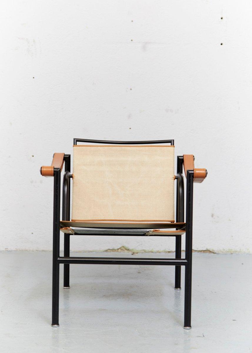 Lc1 club chair by le corbusier pierre jeanneret - Chaise lc1 le corbusier ...