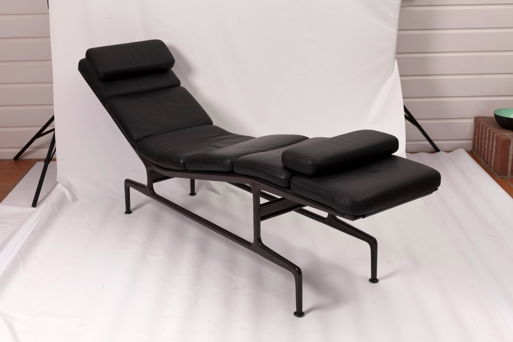 Mid century soft pad chaise by charles ray eames for for Chaise charles eames tissu