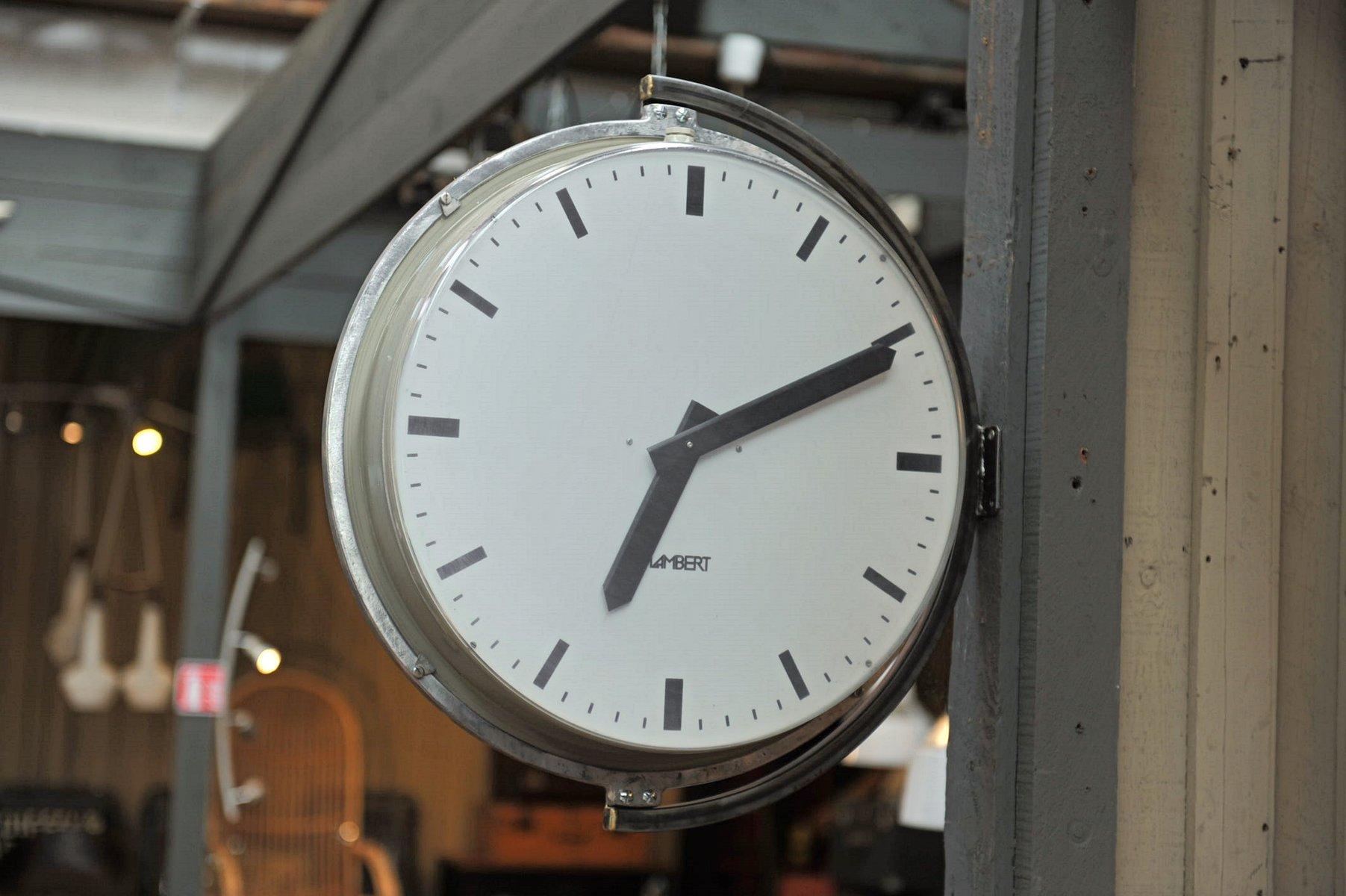 Grosse horloge murale design latest horloge getek d for Grosse pendule murale design