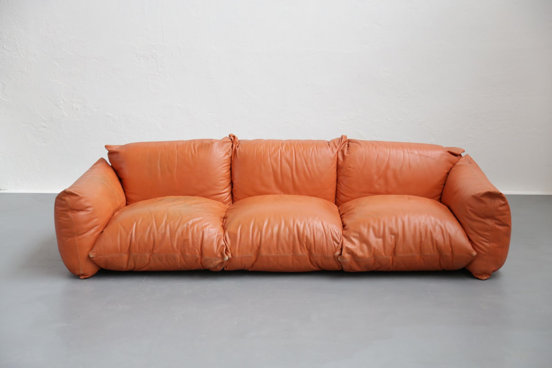 Vintage italian leather sofa by mario marengo for arflex for sale at pamono Italian leather sofa uk