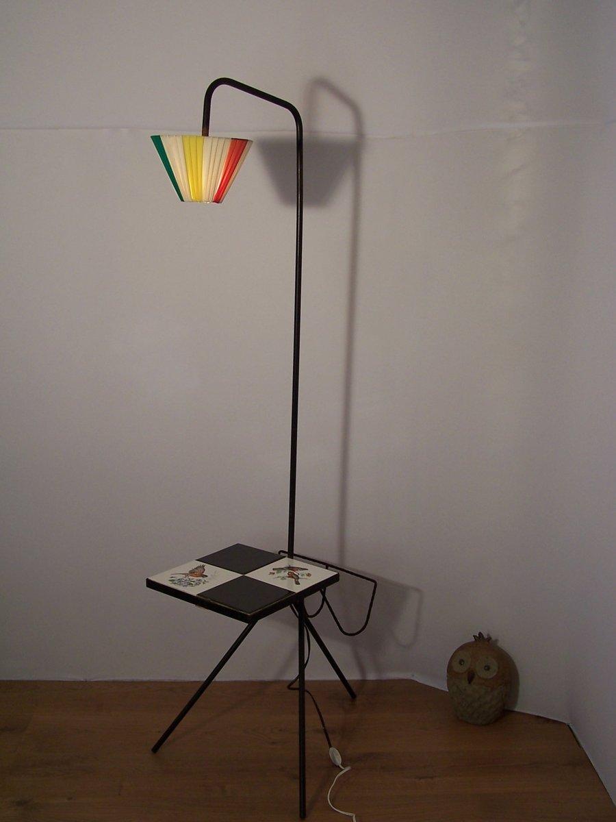 vintage stehlampe mit zeitschriftenablage tisch bei pamono kaufen. Black Bedroom Furniture Sets. Home Design Ideas