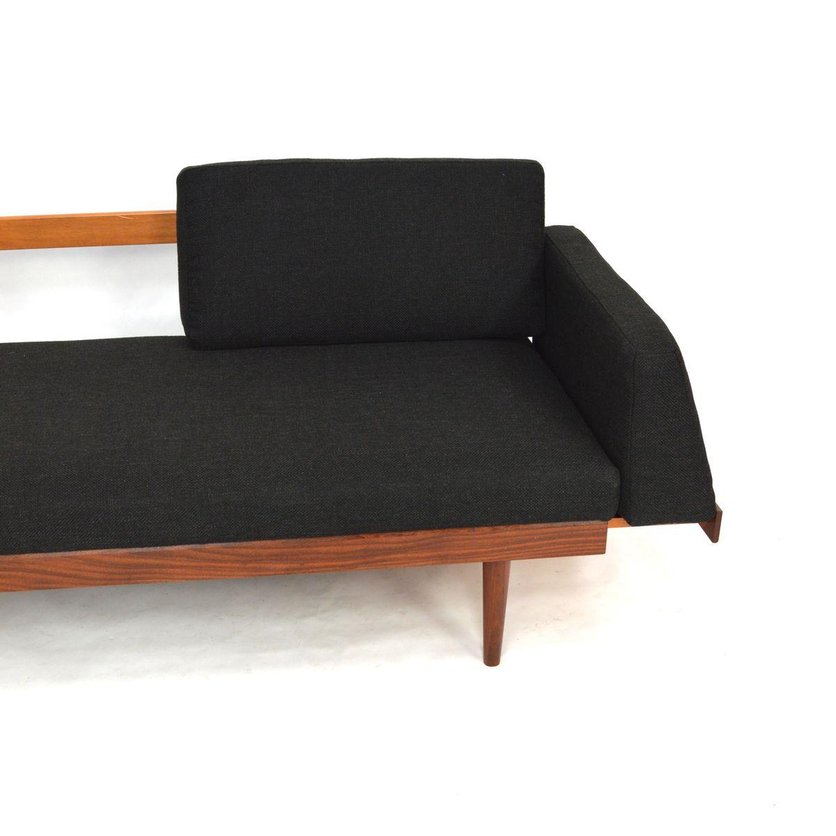 vintage teak schlafsofa mit ausziehbaren couchtischen bei. Black Bedroom Furniture Sets. Home Design Ideas