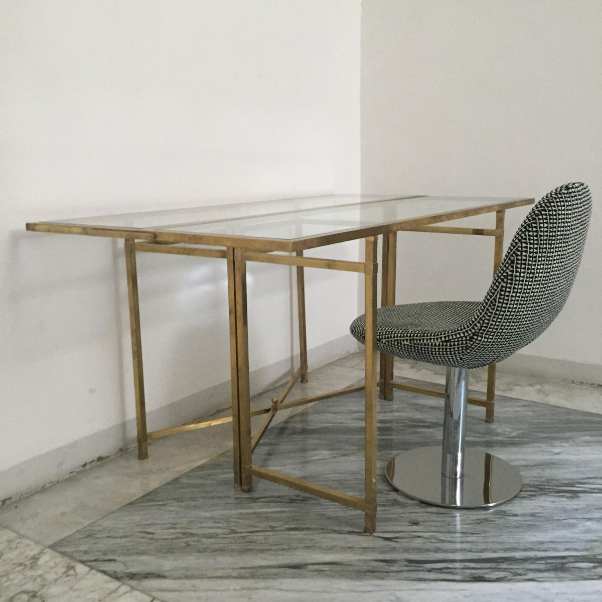 Vintage brass console table for sale at pamono for Sofa table rules