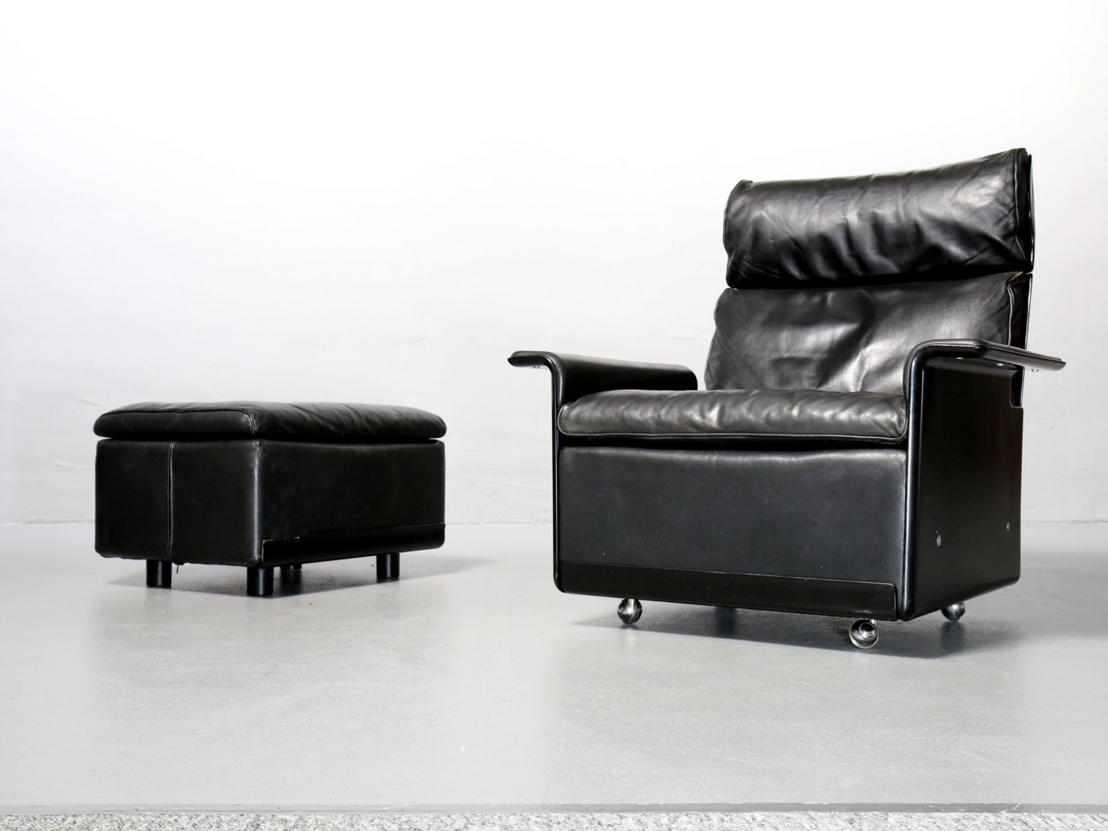 620 High Back Chair and Ottoman by Dieter Rams for Vitsoe 1980s