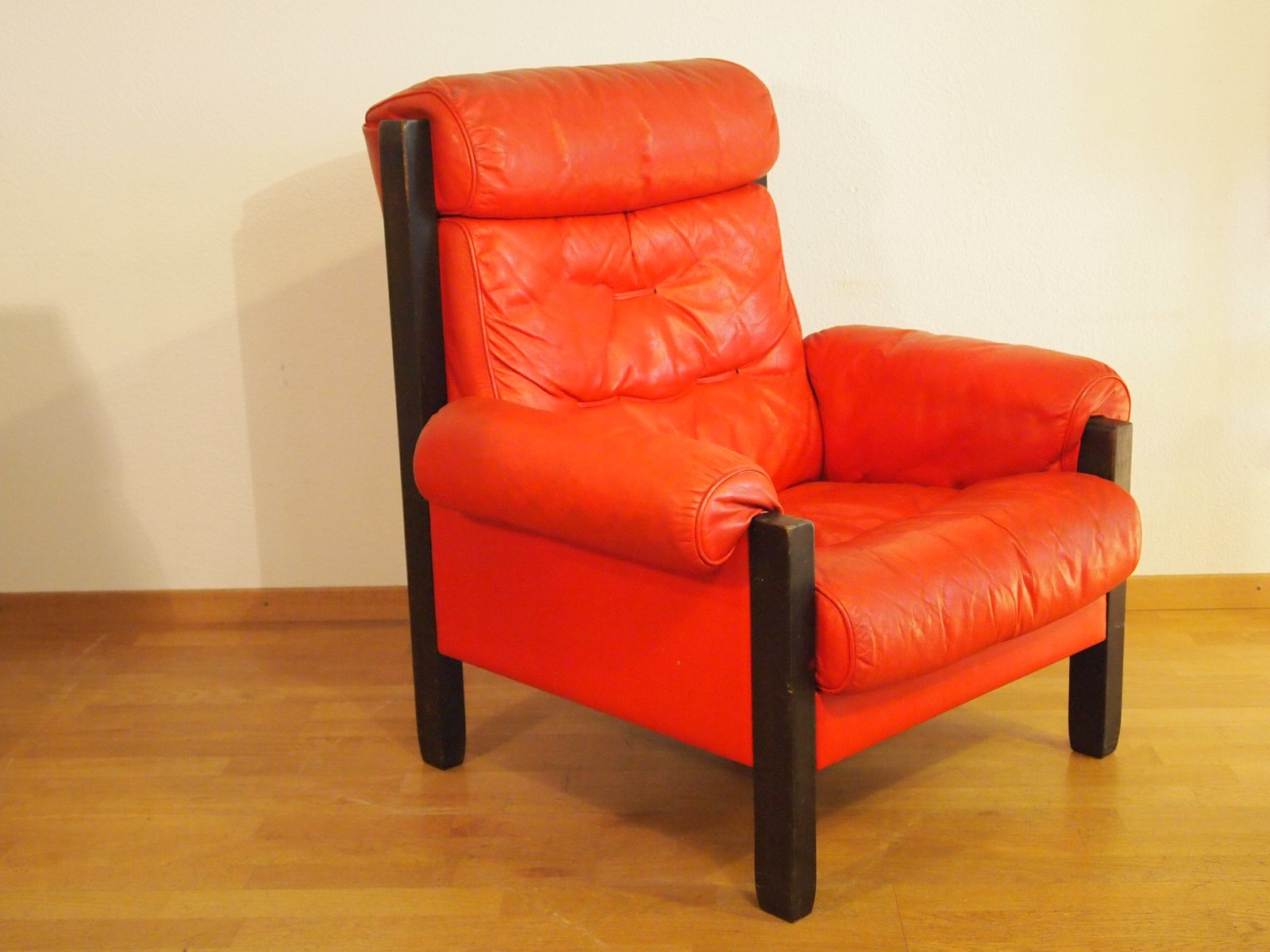 Lovely Vintage Red Leather Armchair From De Sede