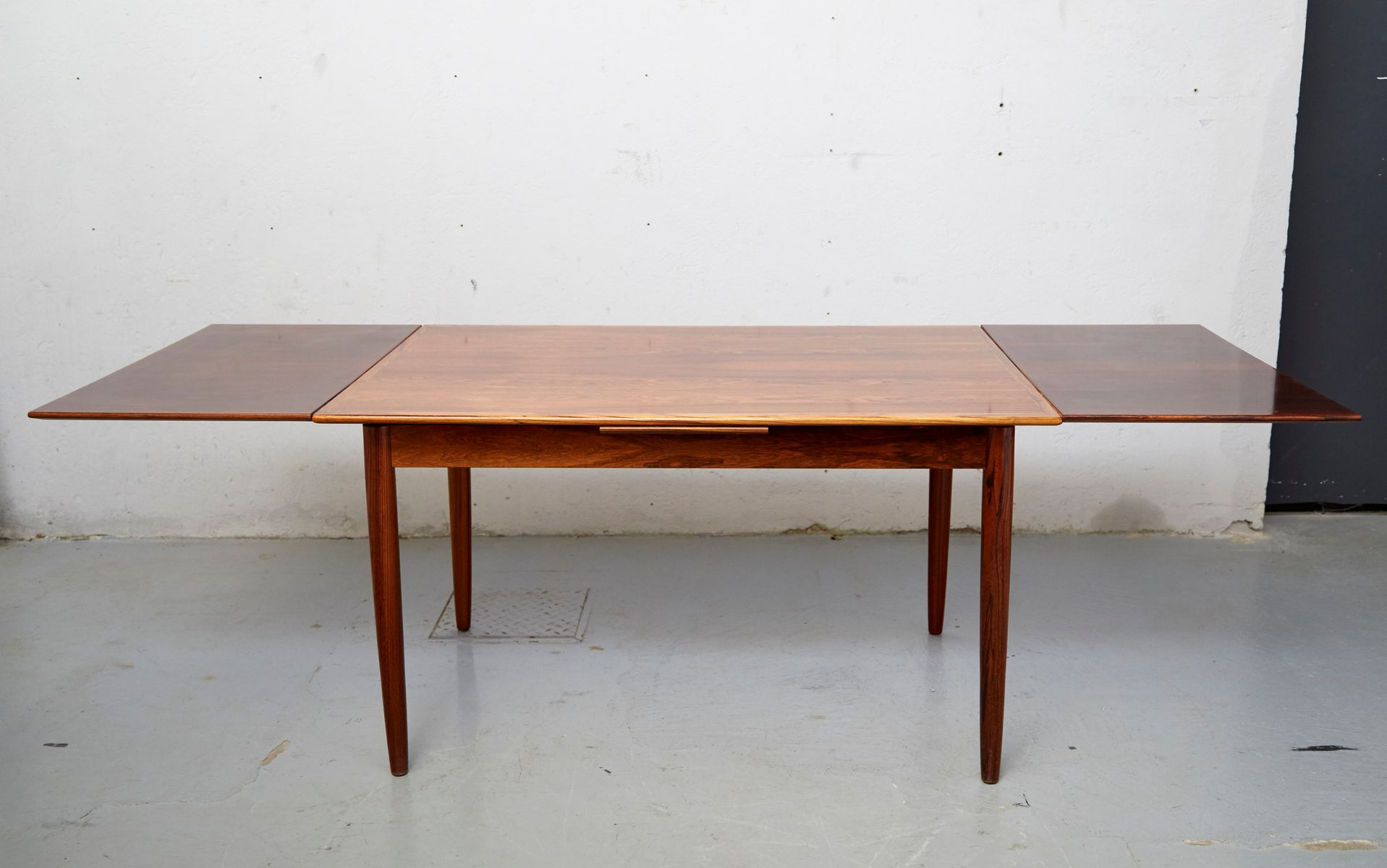 Extendable Mid Century Rosewood Dining Table for sale at  : extendable mid century rosewood dining table 3 from www.pamono.com size 1918 x 1200 jpeg 109kB
