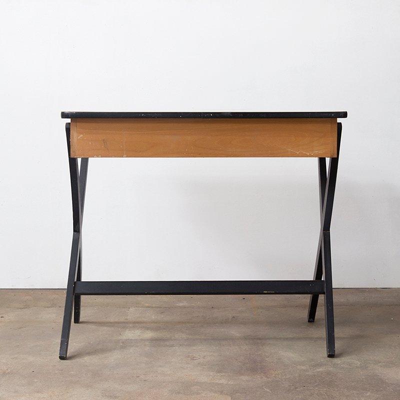 vintage holz schreibtisch mit formica platte von devo bei pamono kaufen. Black Bedroom Furniture Sets. Home Design Ideas