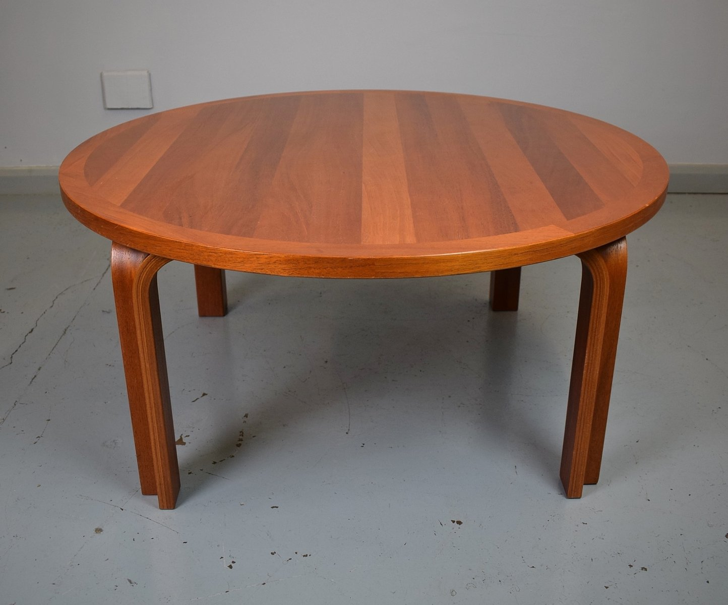 Mid Century Danish Mahogany Circular Coffee Table From Magnus Oleson For Sale At Pamono