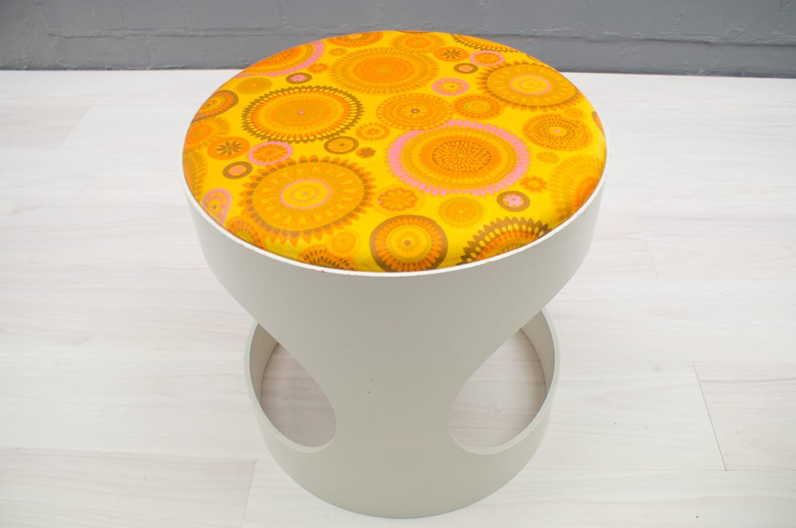 space age hocker von opal m bel 1960er 2er set bei pamono kaufen. Black Bedroom Furniture Sets. Home Design Ideas