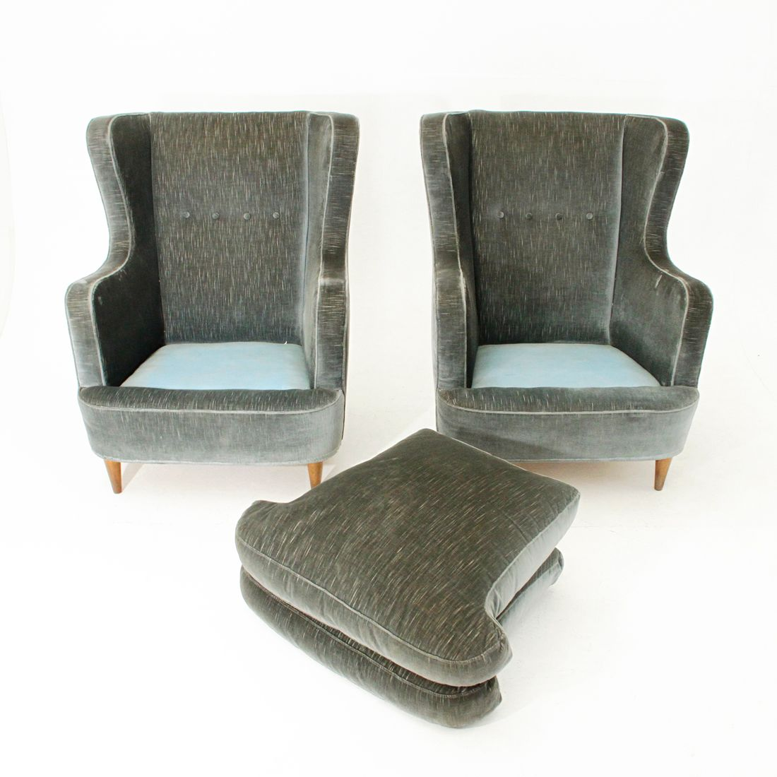 Italian Green Velvet Armchairs 1950s Set Of 2 For Sale