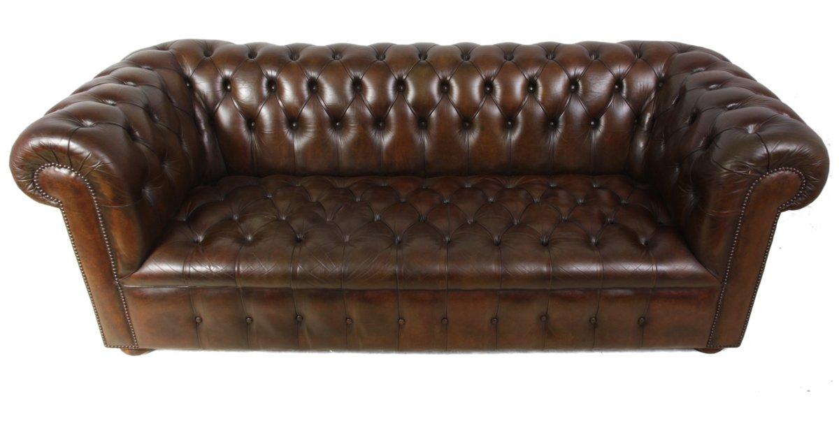 braune vintage chesterfield leder sofas 2er set bei pamono kaufen. Black Bedroom Furniture Sets. Home Design Ideas