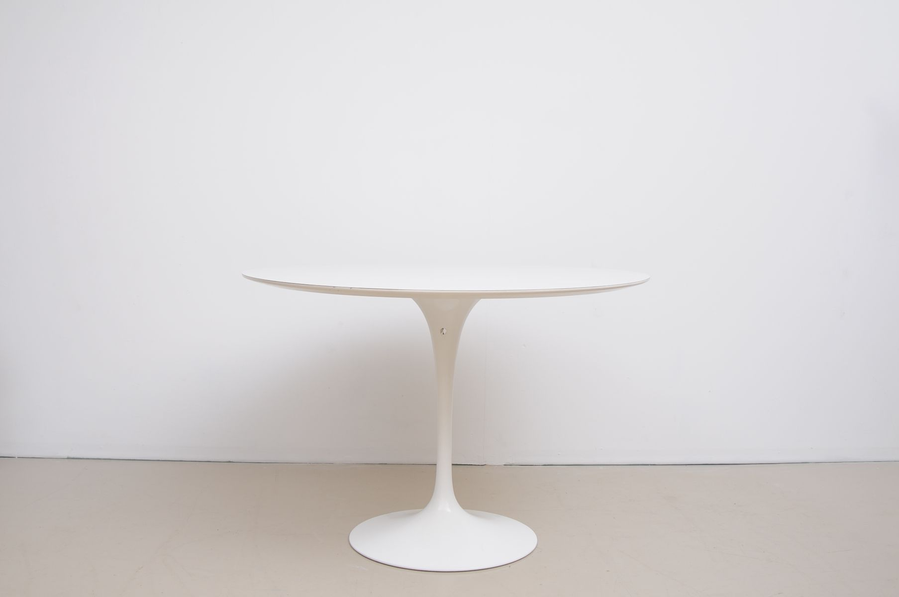 knoll eero saarinen medium dining knoll saarinen coffee tabl