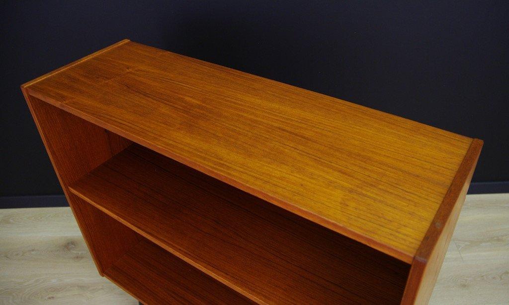 kleines d nisches vintage b cherregal mit teak furnier bei pamono kaufen. Black Bedroom Furniture Sets. Home Design Ideas