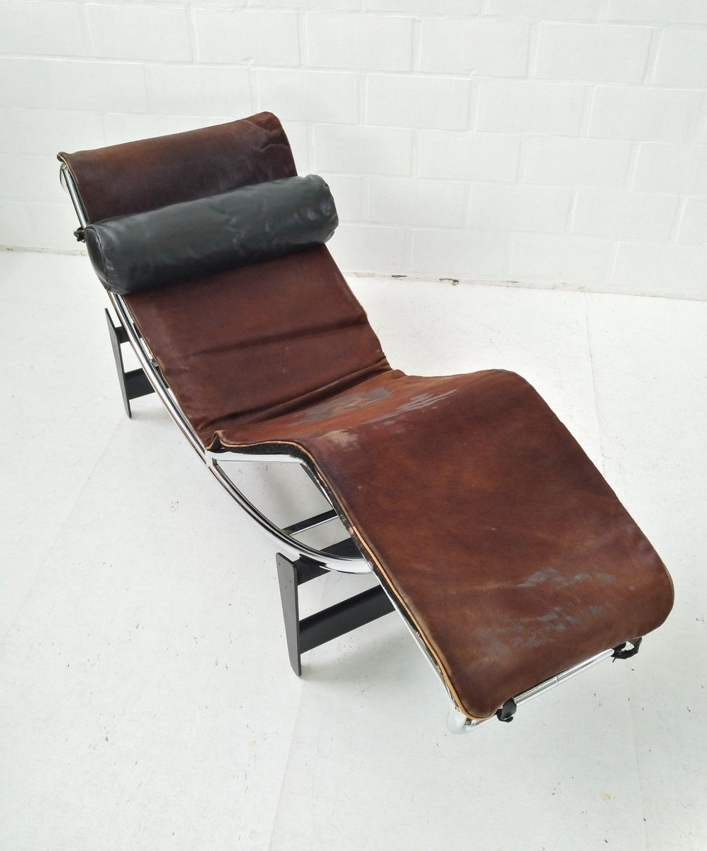 Lc4 chaise longue by le corbusier charlotte perriand for Chaise longue le corbusier precio
