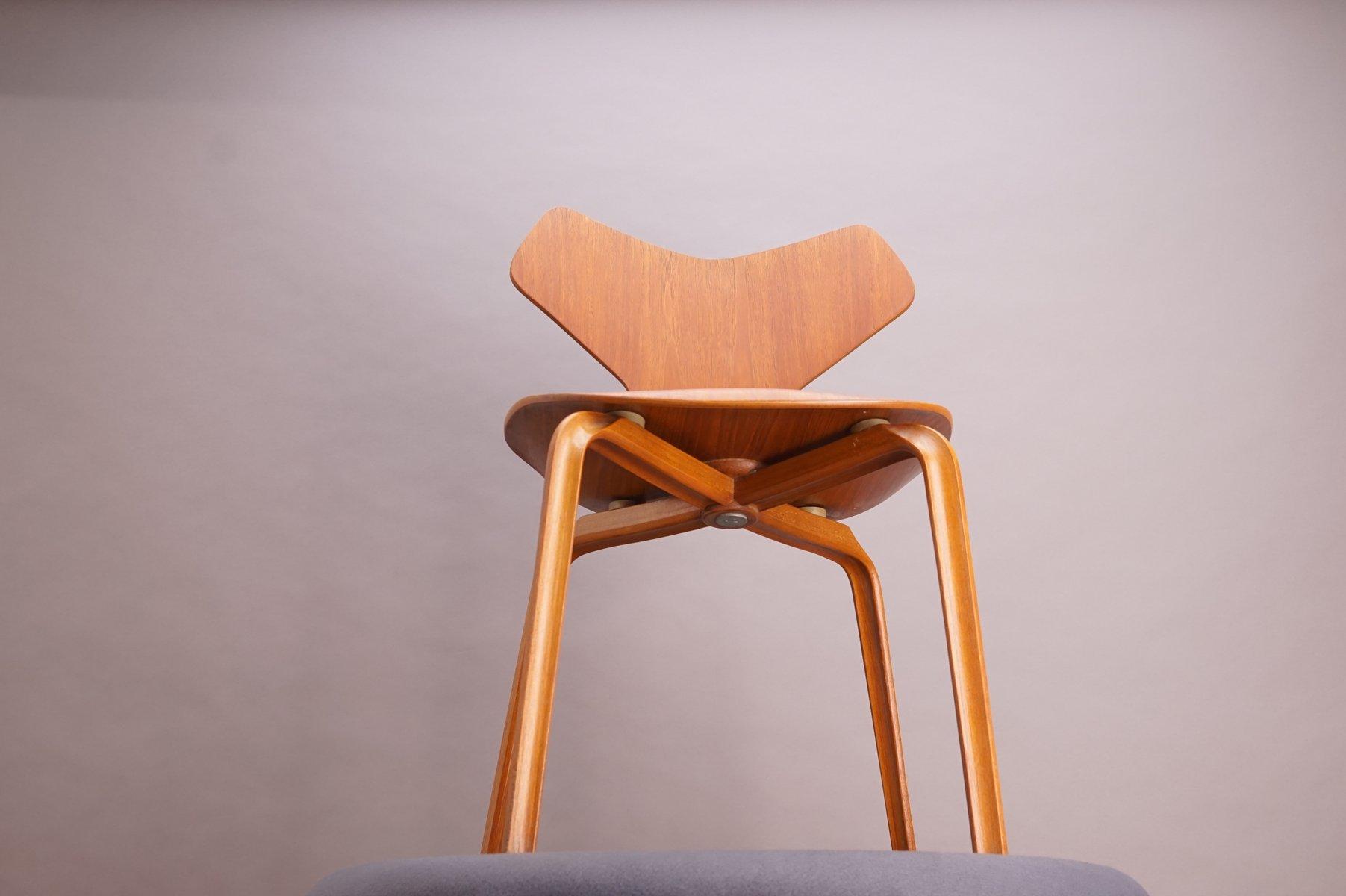teak grand prix stuhl von arne jacobsen f r fritz hansen. Black Bedroom Furniture Sets. Home Design Ideas