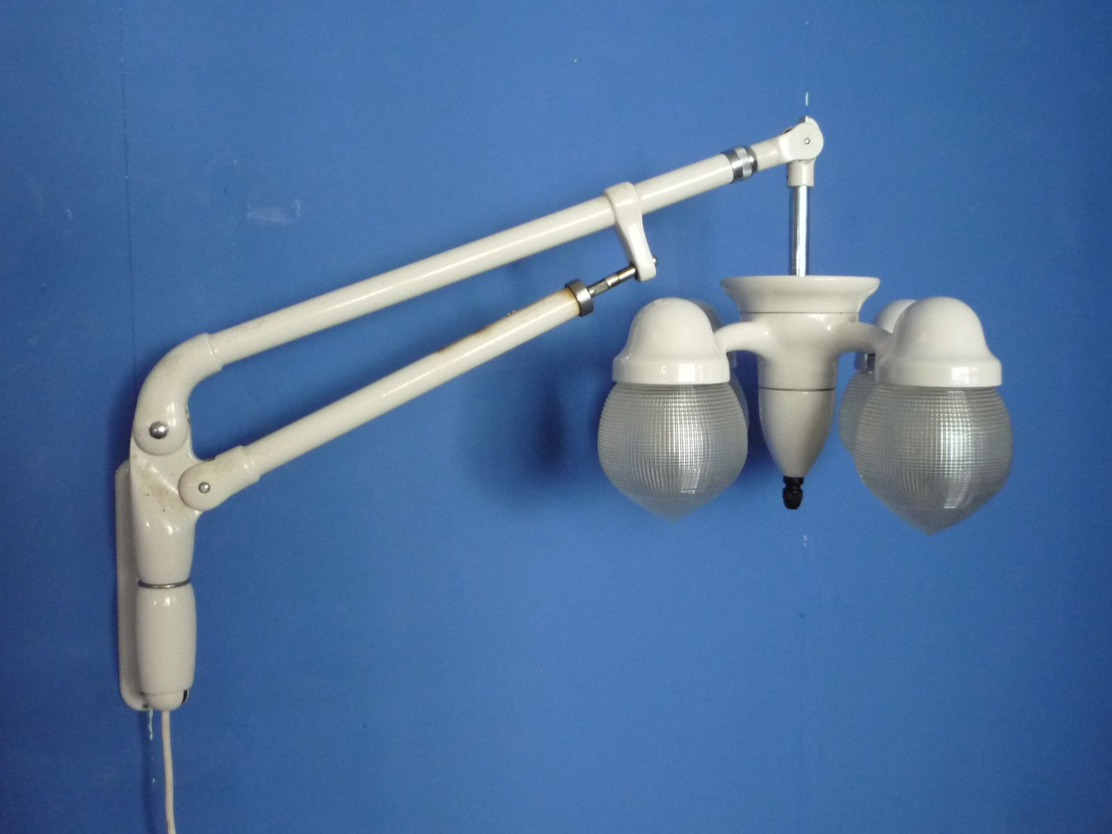 Wall Mounted Articulated Lamp : Metal Articulated Arm Wall Lamp, 1930s for sale at Pamono