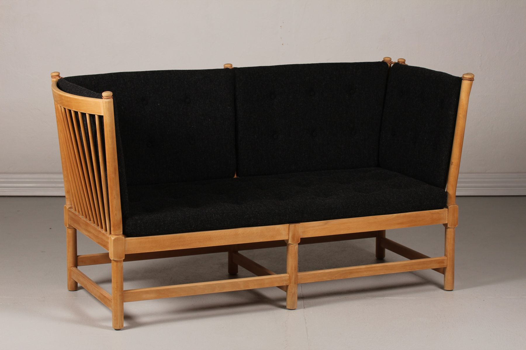 model 1789 spoke back sofa by b rge mogensen for fritz. Black Bedroom Furniture Sets. Home Design Ideas