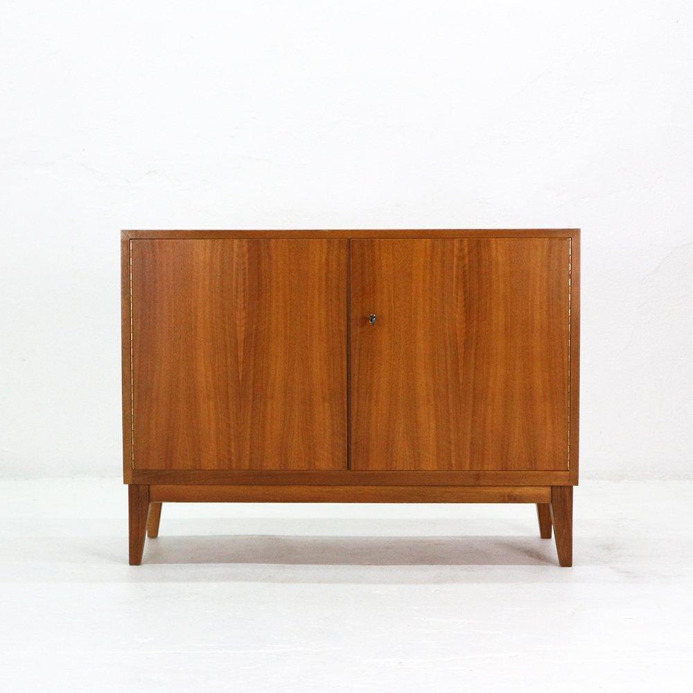 walnuss kommode von wk 1950er bei pamono kaufen. Black Bedroom Furniture Sets. Home Design Ideas