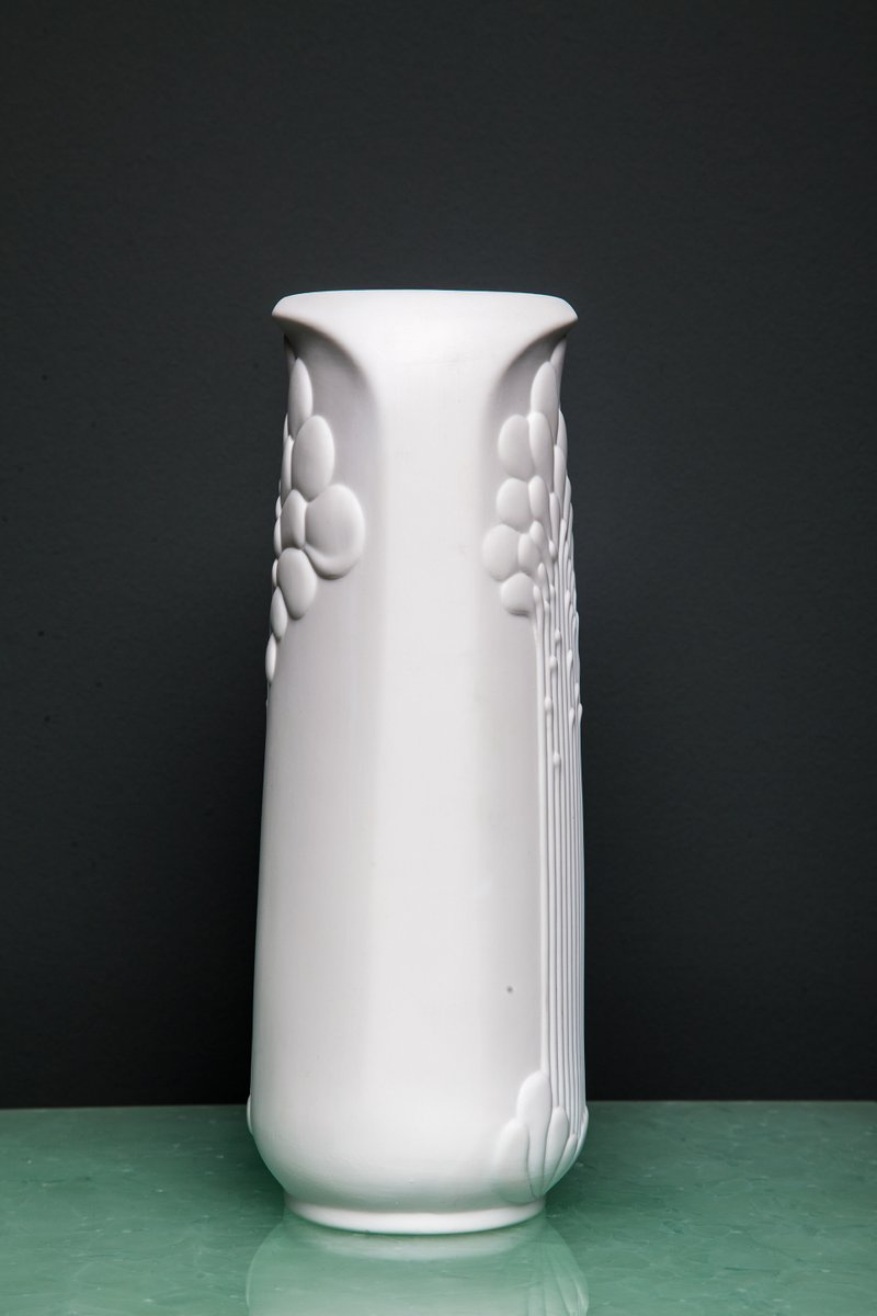 white vase by manfred frey for kaiser porzellan 1970s for sale at pamono. Black Bedroom Furniture Sets. Home Design Ideas