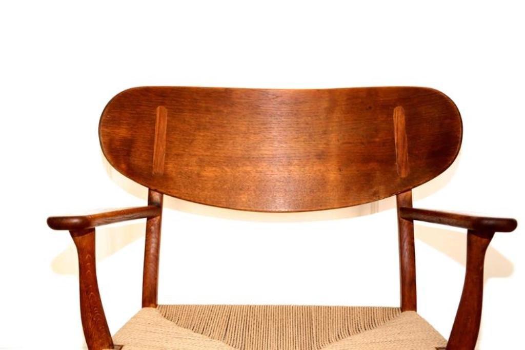 ch22 shell chair by hans wegner for carl hansen s n. Black Bedroom Furniture Sets. Home Design Ideas
