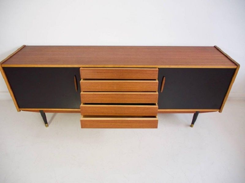 langes vintage teak sideboard von hugo troeds bei pamono. Black Bedroom Furniture Sets. Home Design Ideas
