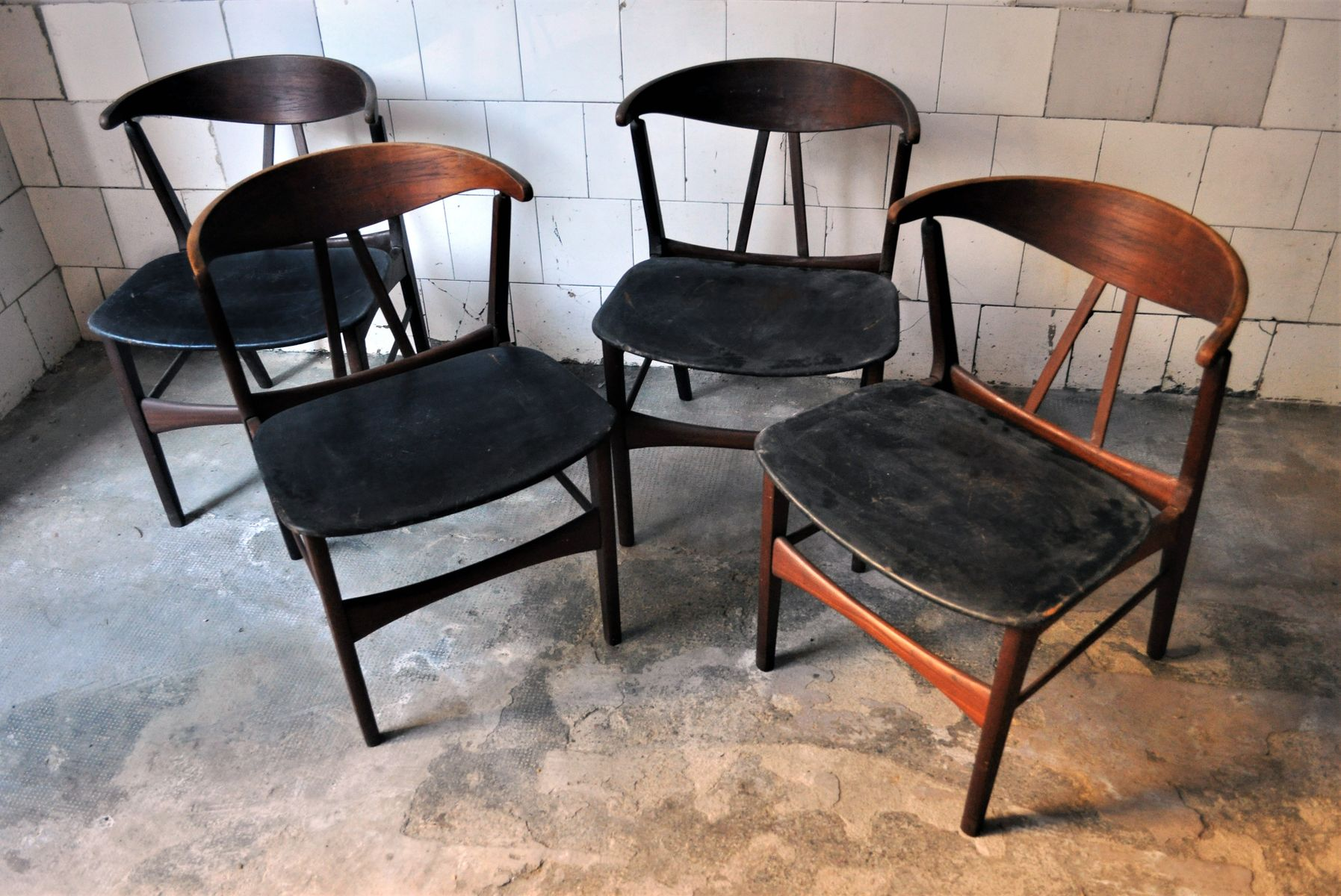 d nische vintage st hle 4er set bei pamono kaufen. Black Bedroom Furniture Sets. Home Design Ideas