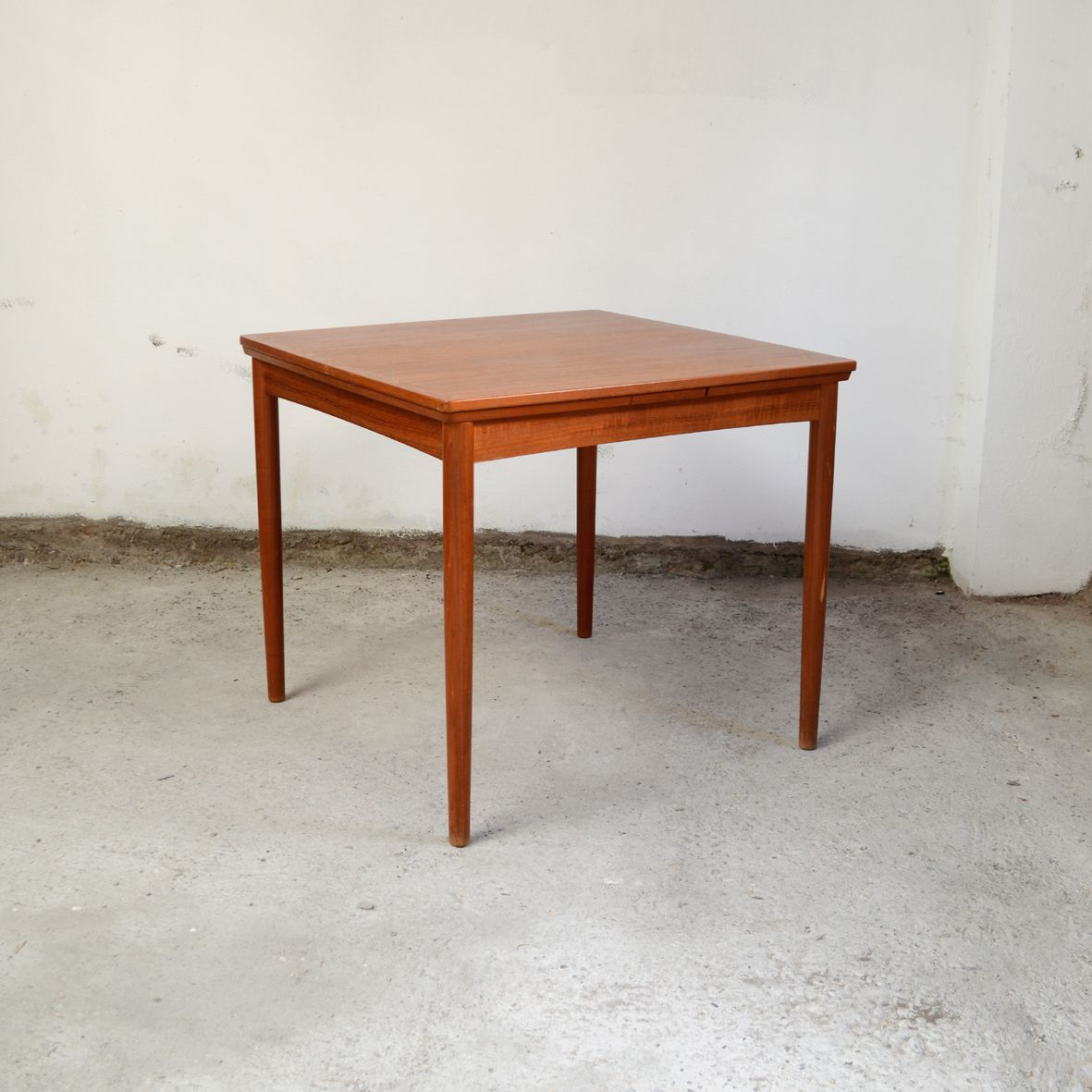 mid century teak square dining room table by poul hundevad for hundevad co for sale at pamono. Black Bedroom Furniture Sets. Home Design Ideas