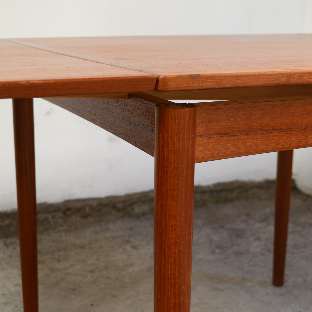 mid century teak square dining room table by poul hundevad for hundevad co for sale at pamono. Black Bedroom Furniture Sets. Home Design Ideas