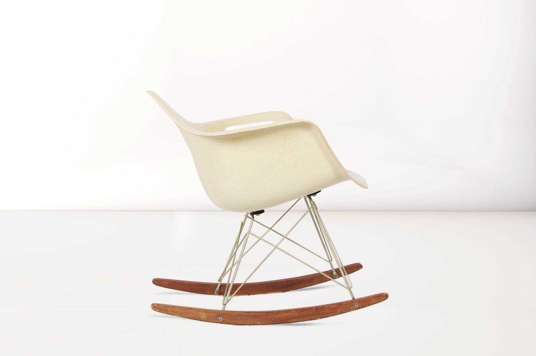 Charles eames chaise lounge at stdibs also charles and for Chaises rar charles eames
