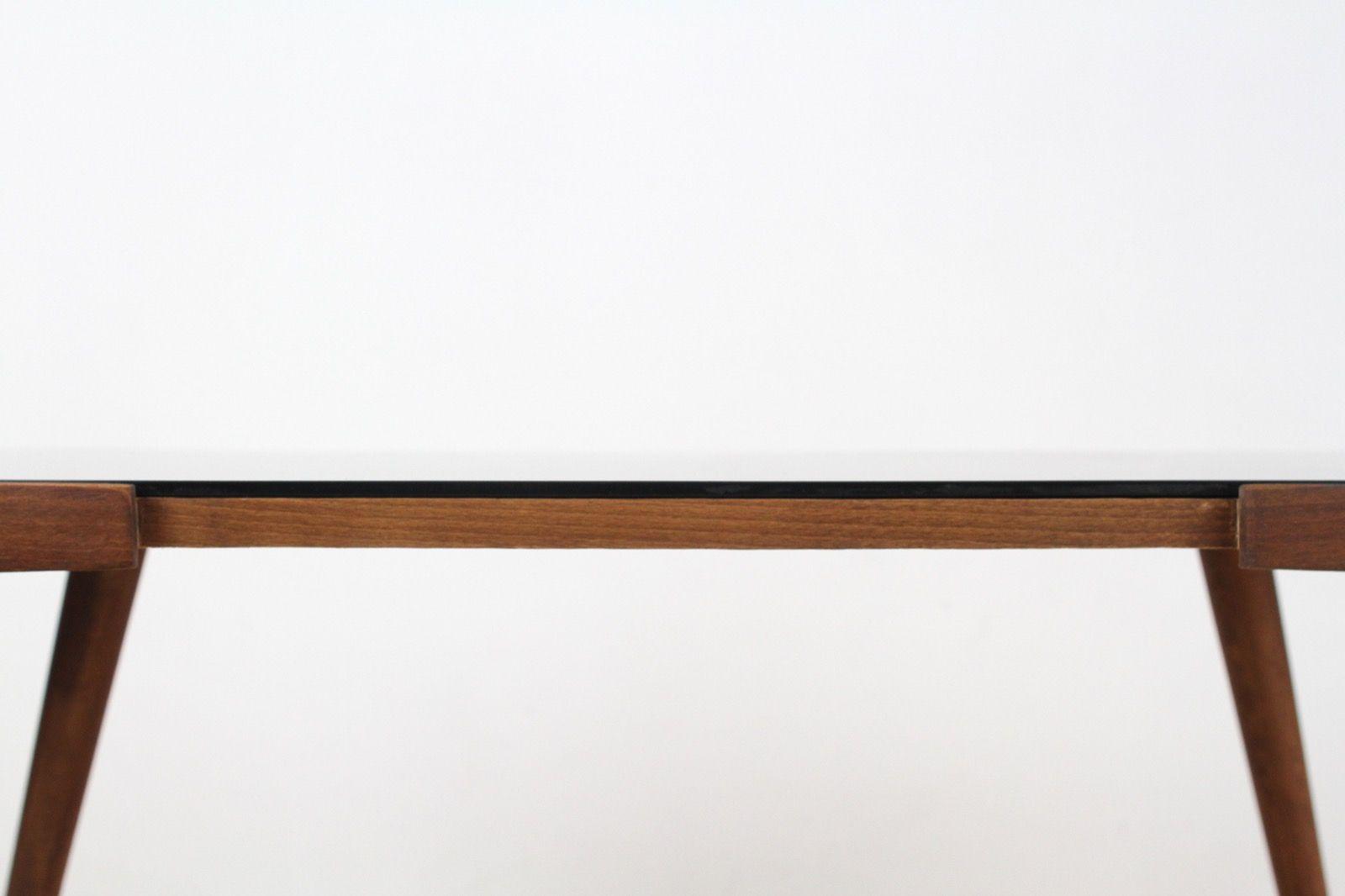 vintage couchtisch mit schwarzer glas tischplatte von ji jiroutek bei pamono kaufen. Black Bedroom Furniture Sets. Home Design Ideas