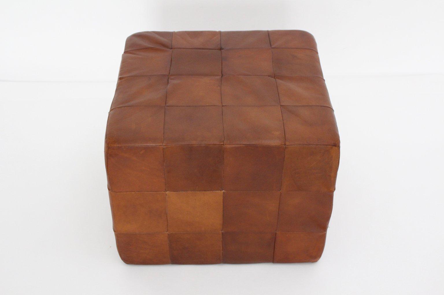 w rfelf rmiger cognacfarbener patchwork leder hocker von. Black Bedroom Furniture Sets. Home Design Ideas