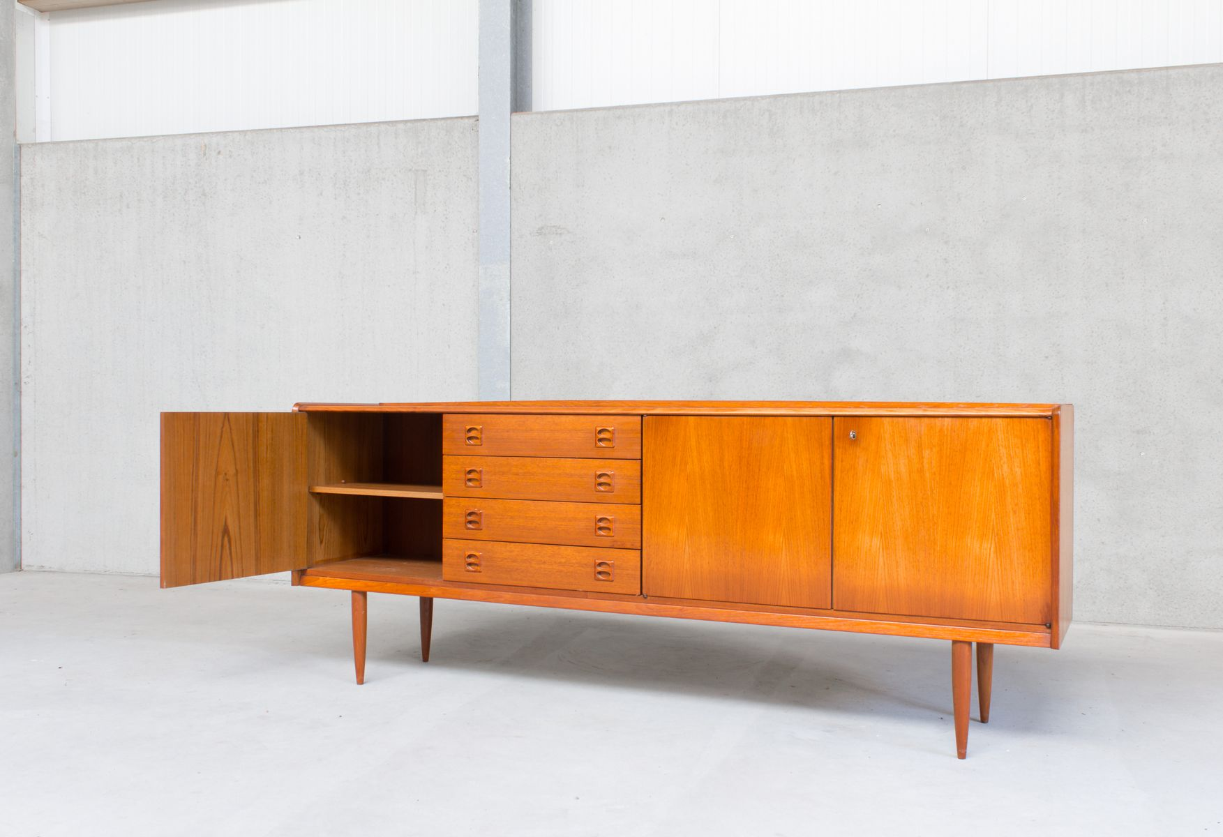 Mid century scandinavian teak sideboard with 3 doors 4 for Sideboard scandi