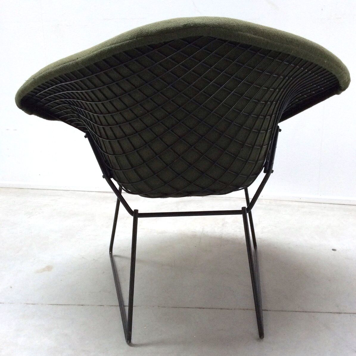vintage diamond chair and ottoman by harry bertoia for. Black Bedroom Furniture Sets. Home Design Ideas