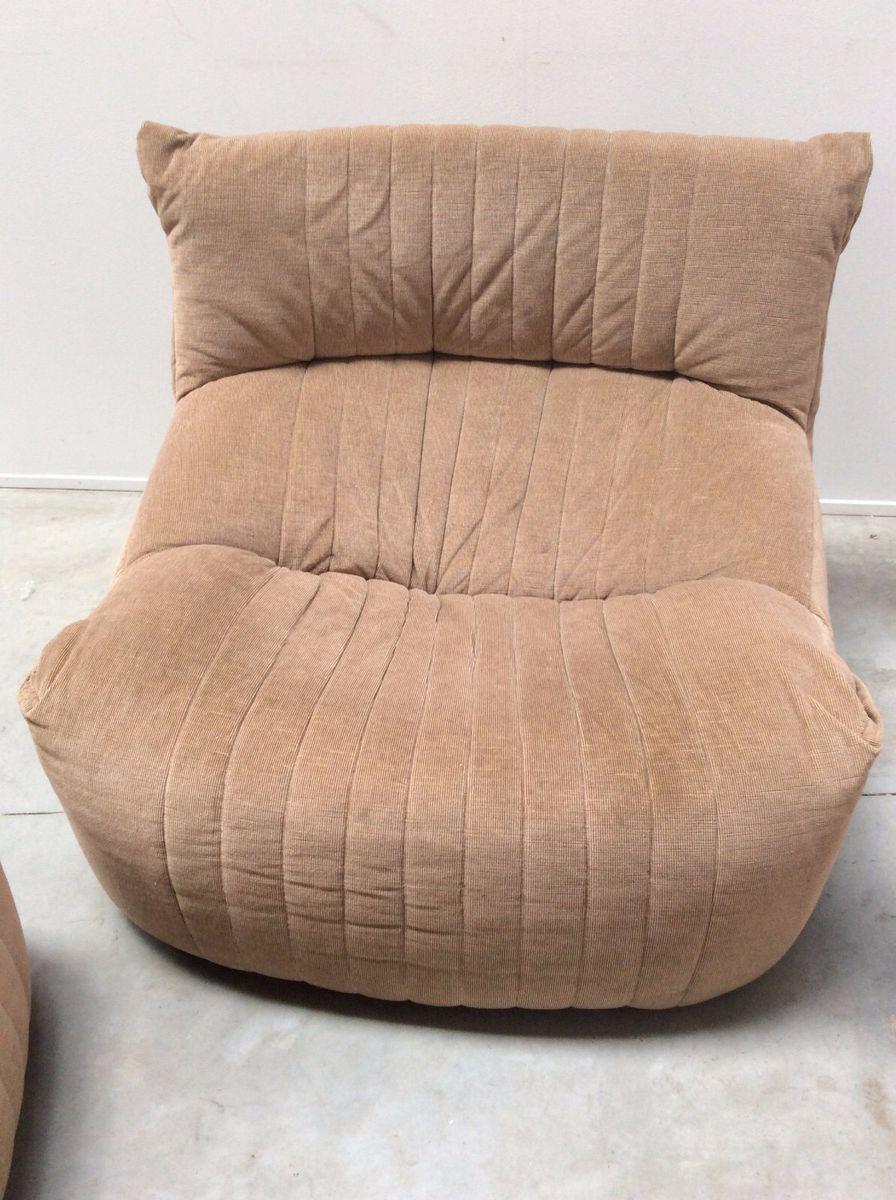 mobilier de salon aralia vintage avec 2 canap s 1 fauteuil par michel ducaroy pour ligne roset. Black Bedroom Furniture Sets. Home Design Ideas