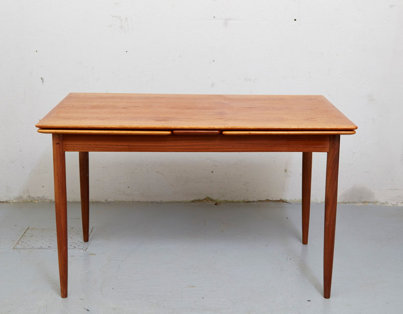 Mid Century Teak Expandable Dining Table for sale at Pamono