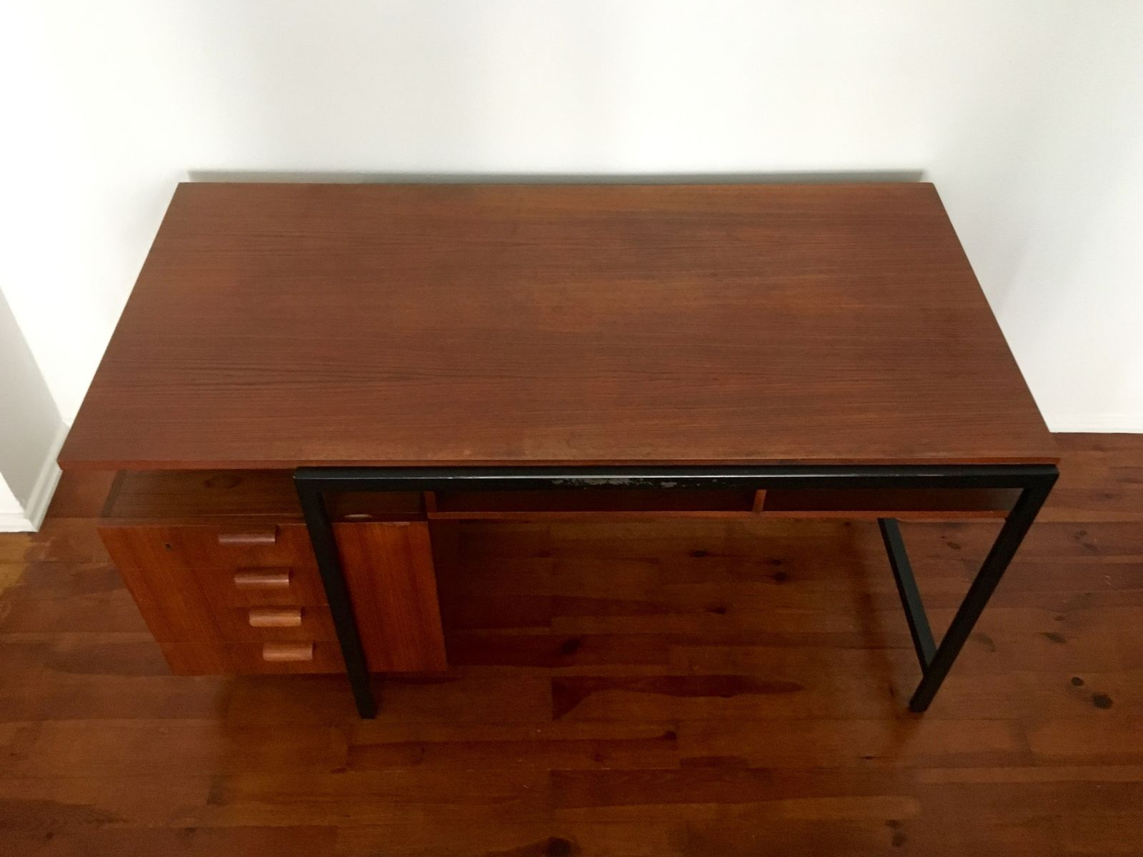 teak architekten schreibtisch von herbert hirche f r. Black Bedroom Furniture Sets. Home Design Ideas