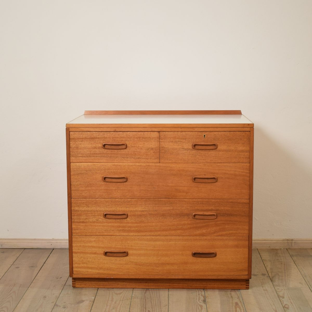 mid century teak kommode 1950er bei pamono kaufen. Black Bedroom Furniture Sets. Home Design Ideas