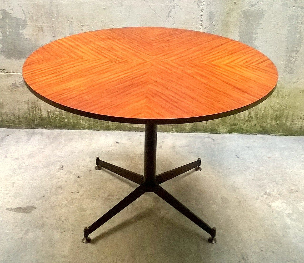 tavolo da pranzo rotondo italia anni 39 50 in vendita su