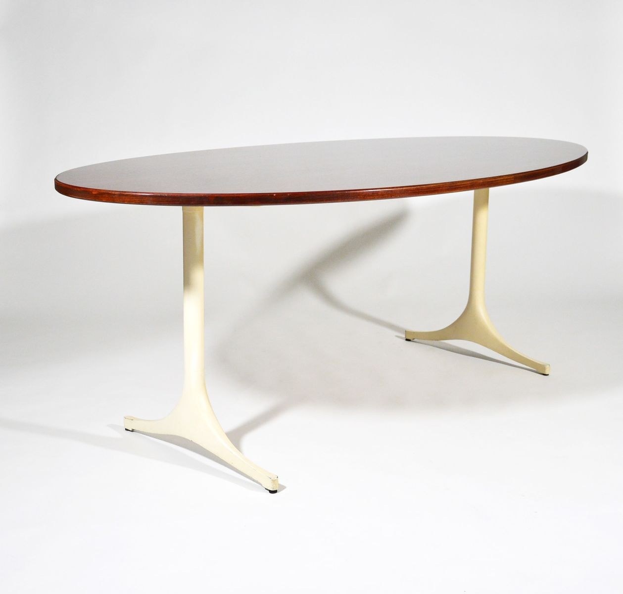 Mid Century Pedestal Table By George Nelson For Herman Miller