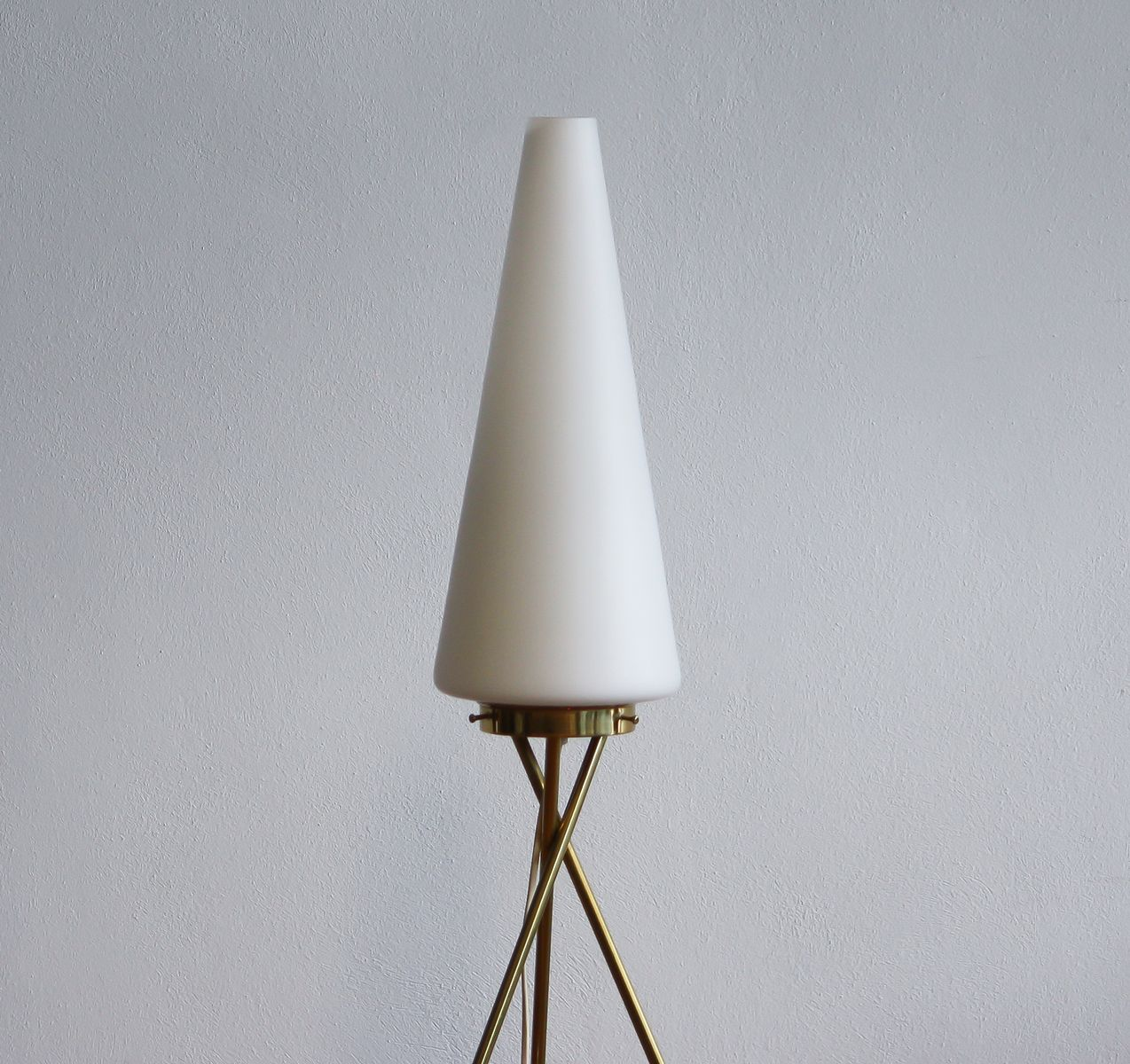 Brass and glass tripod floor lamp 1950s for sale at pamono for 1950s floor lamps