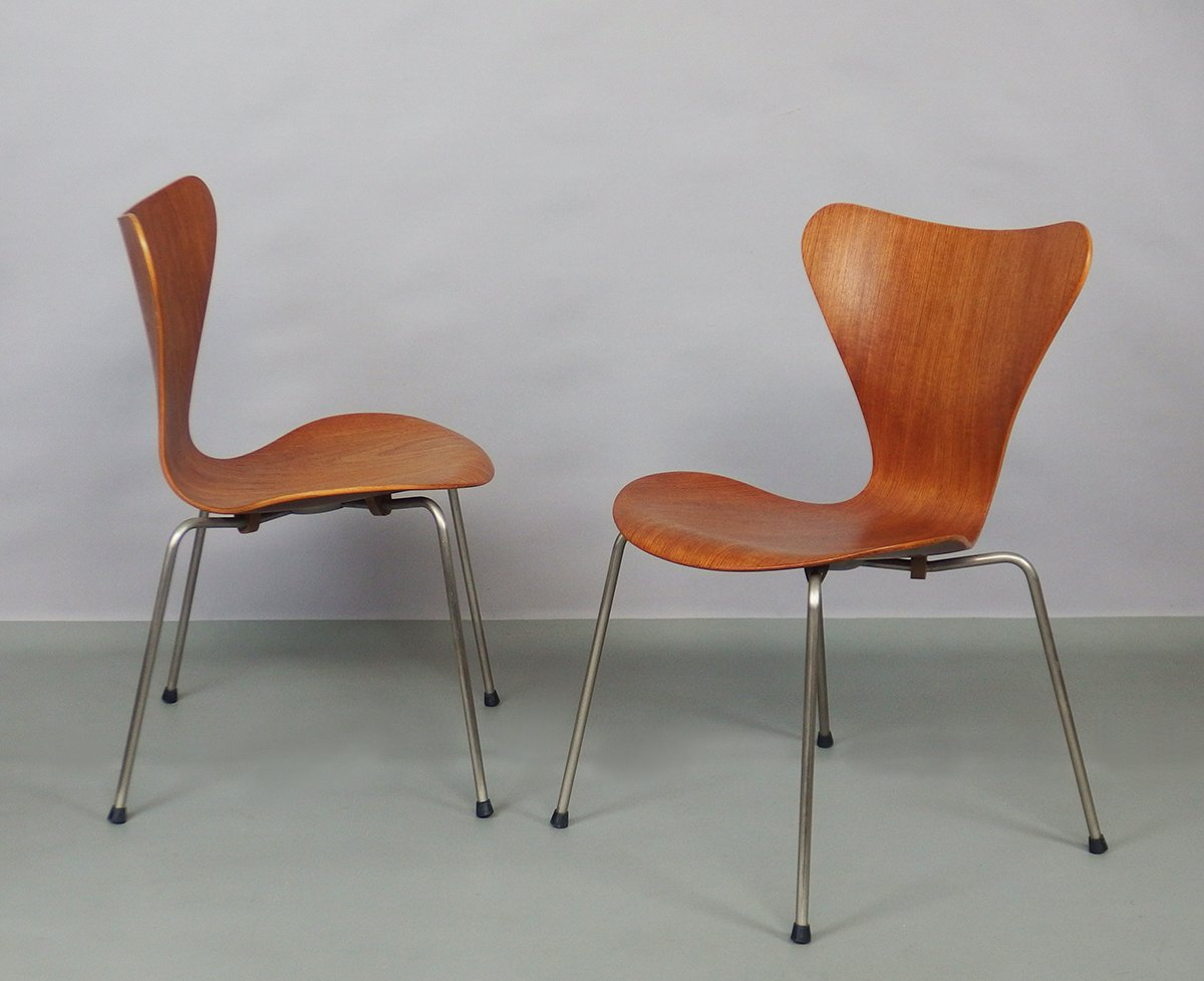 7 series chairs by arne jacobsen for fritz hansen 1960s set of 3 for sale at pamono. Black Bedroom Furniture Sets. Home Design Ideas