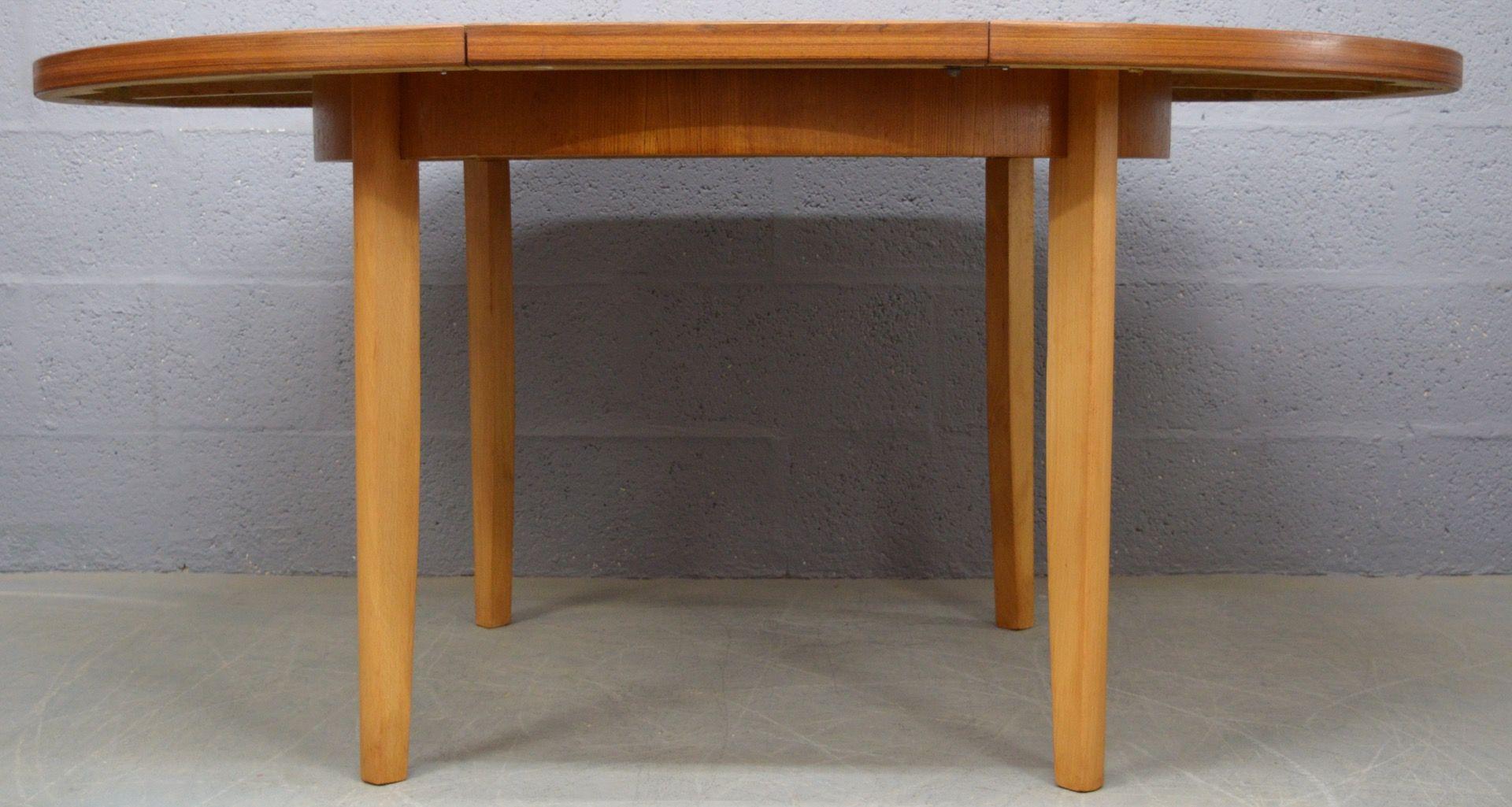 runder ausziehbarer mid century teak esstisch von mcintosh 1960er bei pamono kaufen. Black Bedroom Furniture Sets. Home Design Ideas