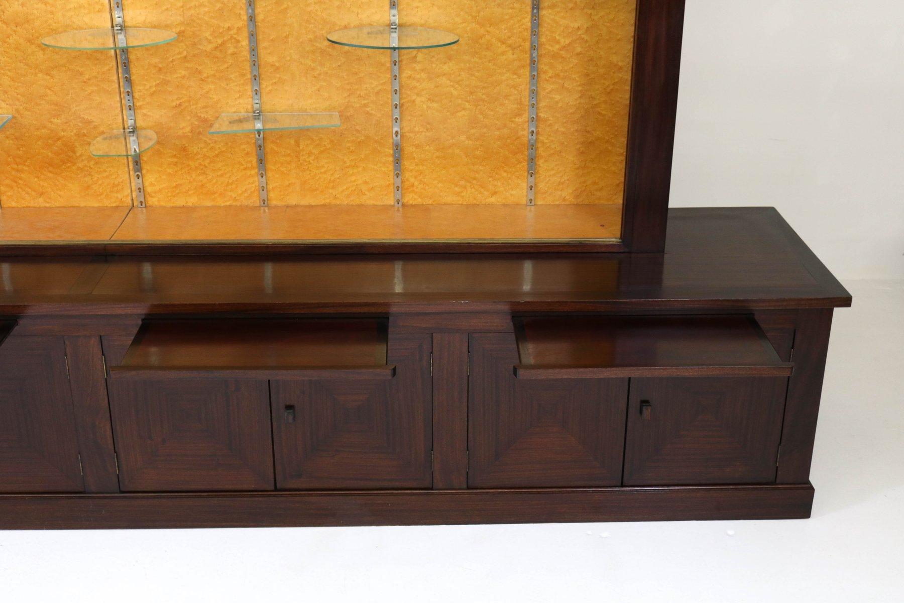 gro e mahagoni art deco vitrine mit glas schiebet ren. Black Bedroom Furniture Sets. Home Design Ideas