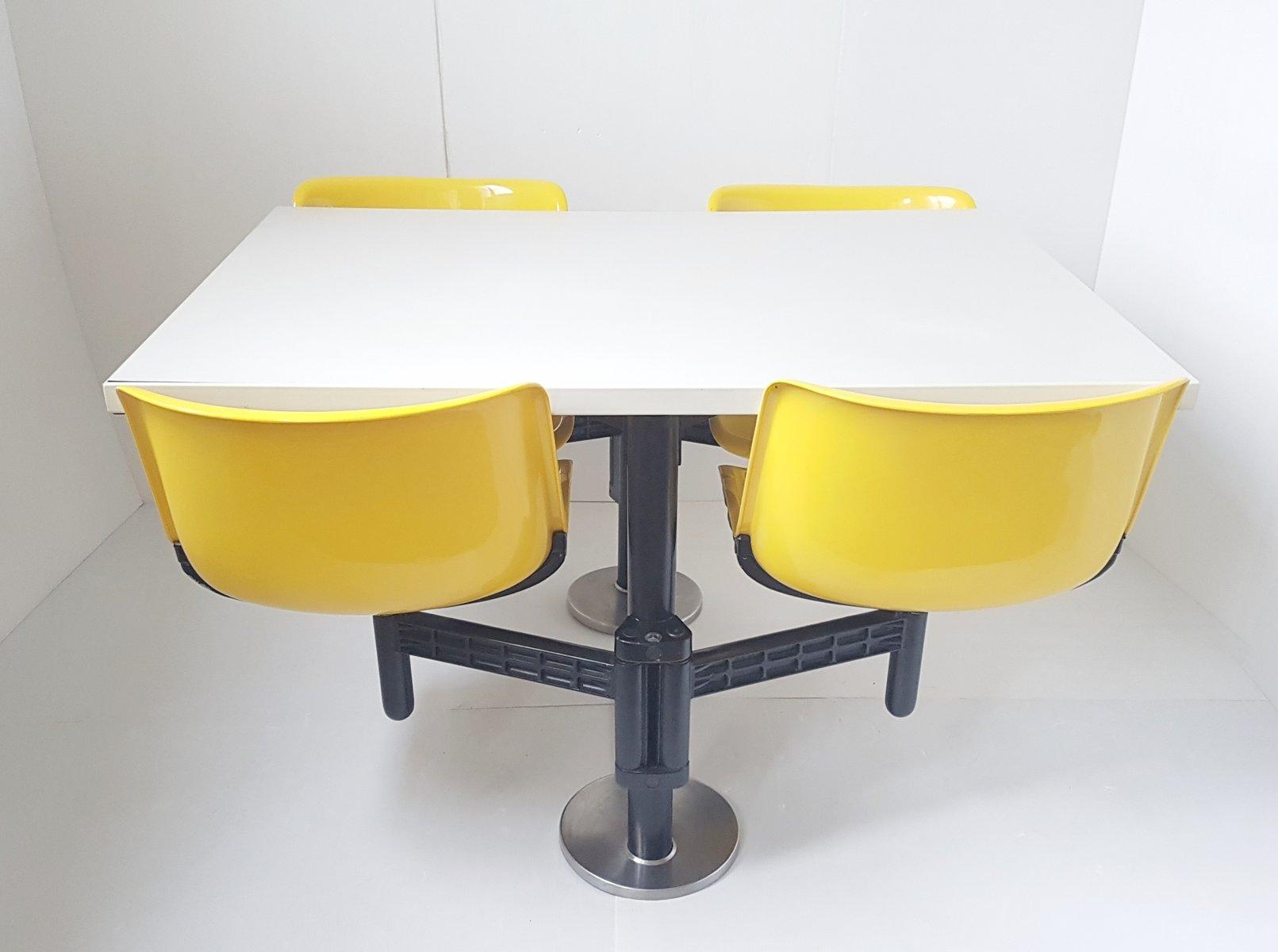 Modus Table & Chairs by Osvaldo Borsani for Tecno 1972 for sale