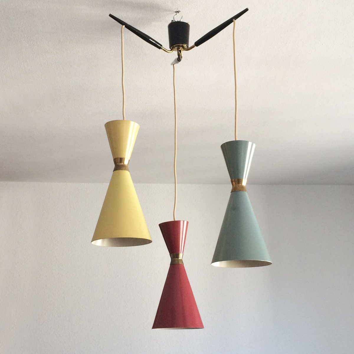 Mid Century Vintage Lights For Sale: Mid-Century Diabolo Pendant Light, 1950s For Sale At Pamono