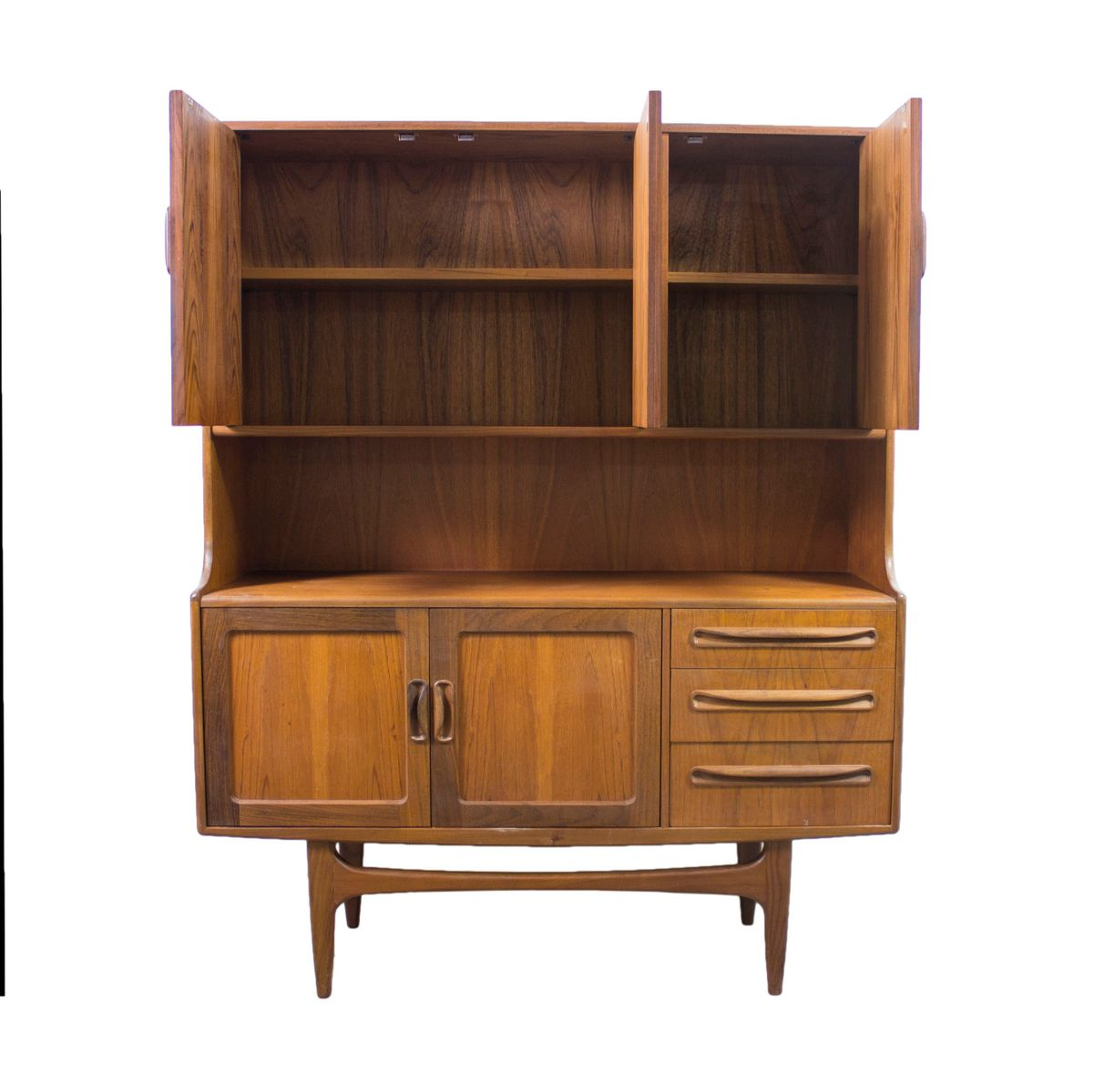 vintage teak und rattan highboard von victor wilkins f r g plan bei pamono kaufen. Black Bedroom Furniture Sets. Home Design Ideas