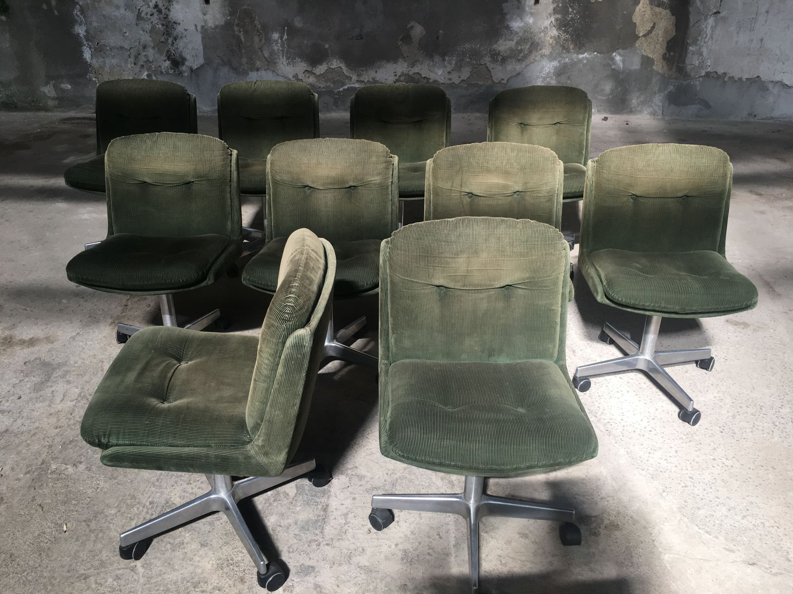 Vintage Italian Velvet Chairs on Wheels 1970s Set of 10 for sale