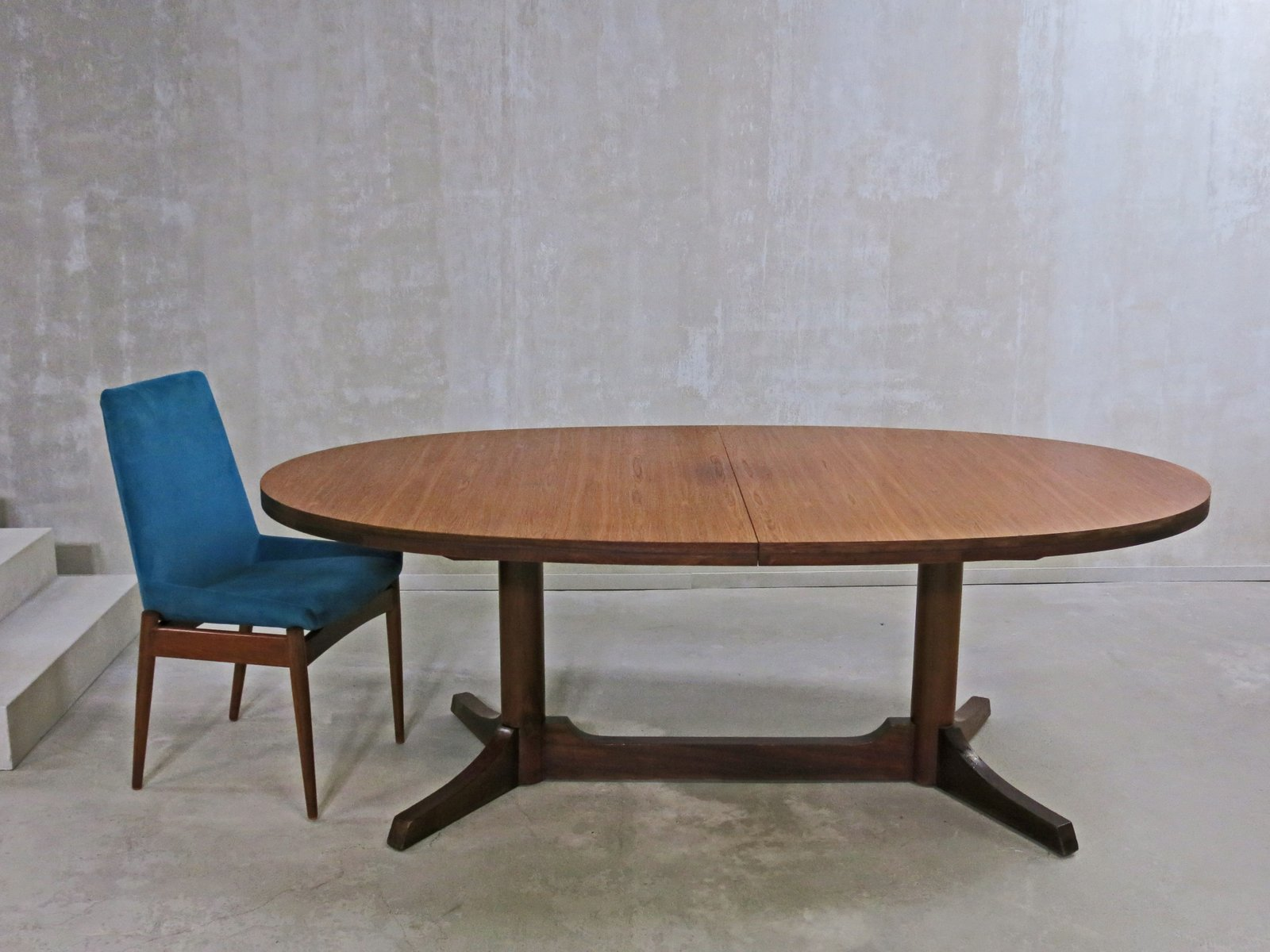 Oval Dining Table by Robert Heritage for Archie Shine 1960s for