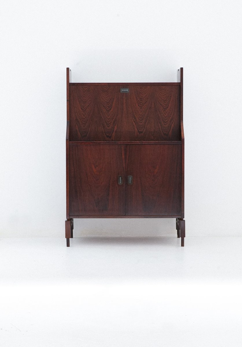rio rosewood sideboard by claudio salocchi for sormani. Black Bedroom Furniture Sets. Home Design Ideas