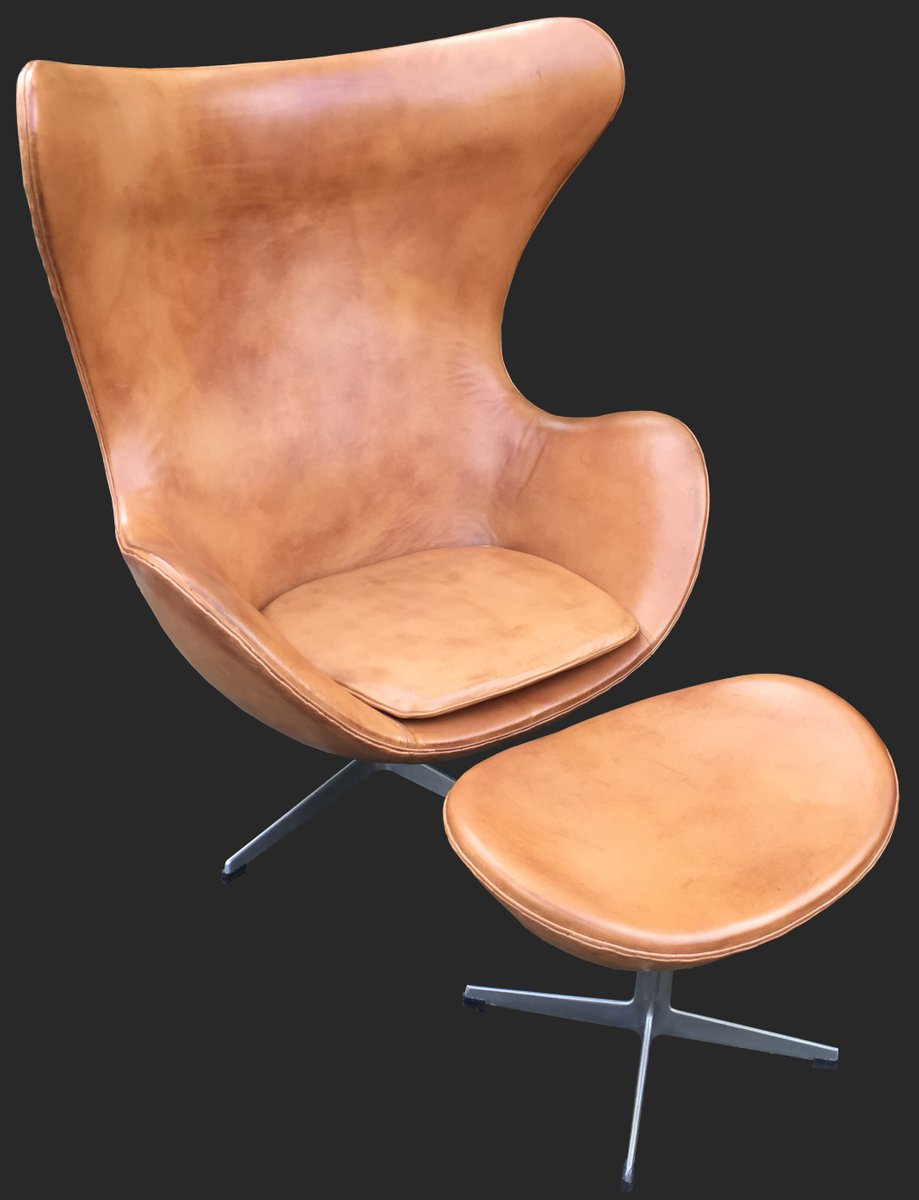 cognac leather egg chair and ottoman by arne jacobsen for. Black Bedroom Furniture Sets. Home Design Ideas